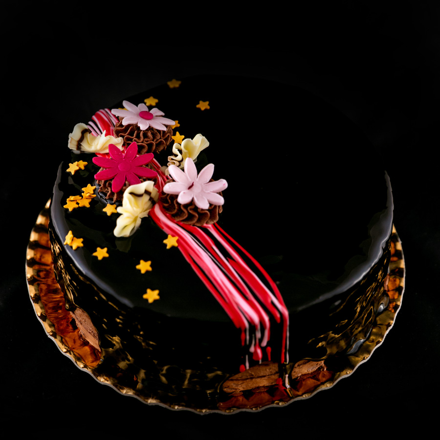 Tort ciocolata cu fructe de padure - Cofetaria Arta